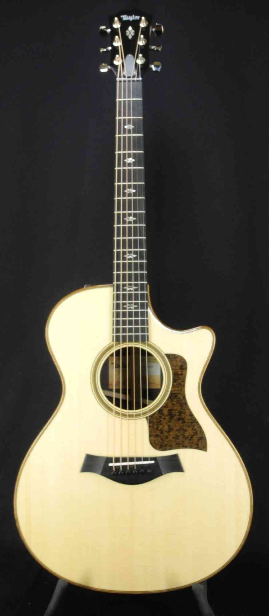 Taylor 712ce  Natural. Click to enlarge
