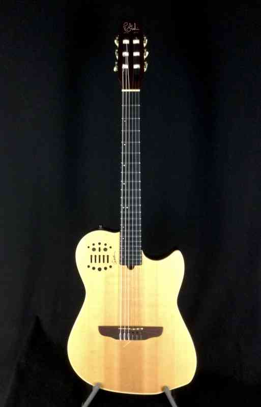 Photo of Godin Multiac Nylon SA 2011