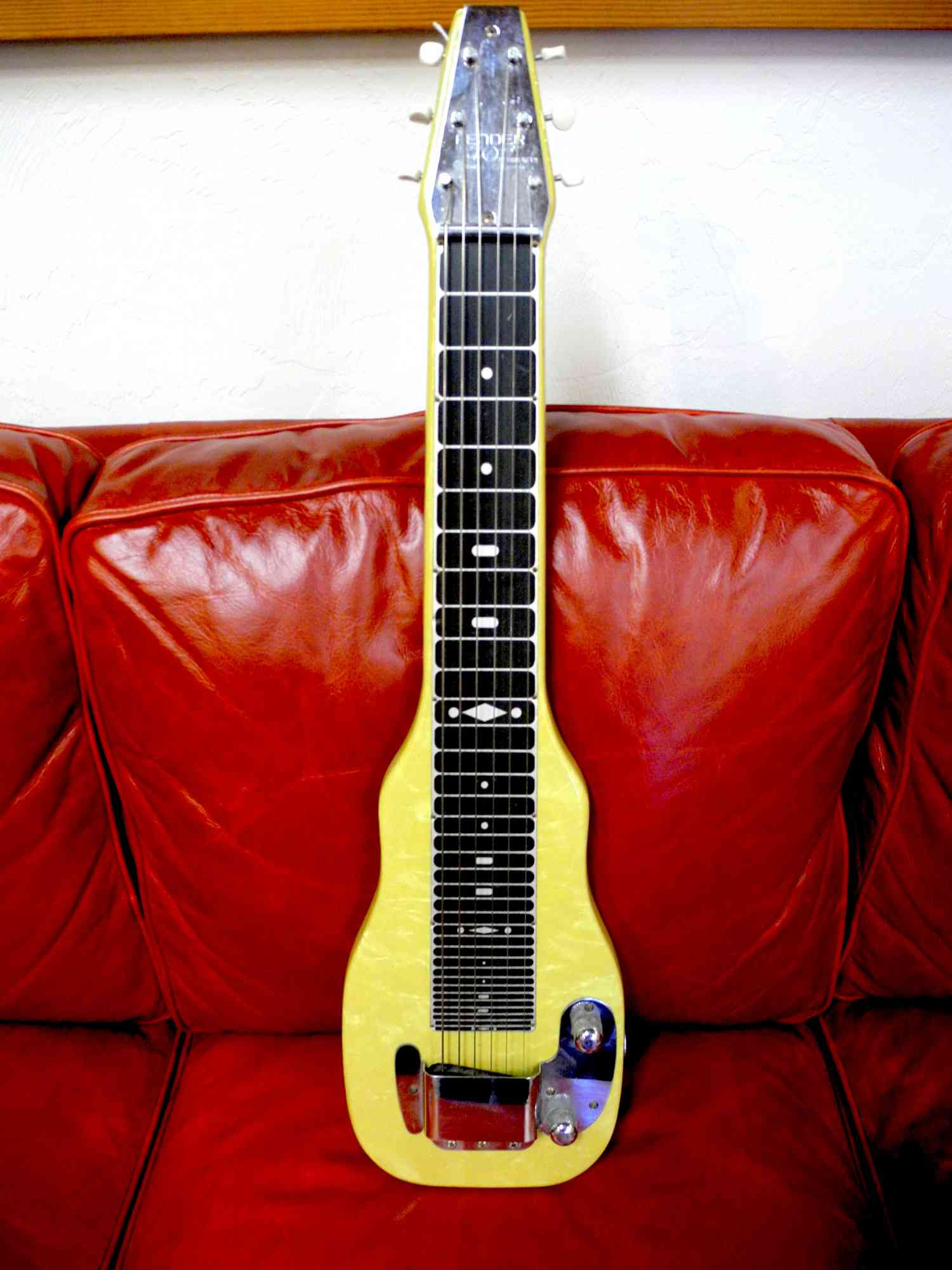 Fender Champion Lap-Steel 1950's Blonde. Click to enlarge