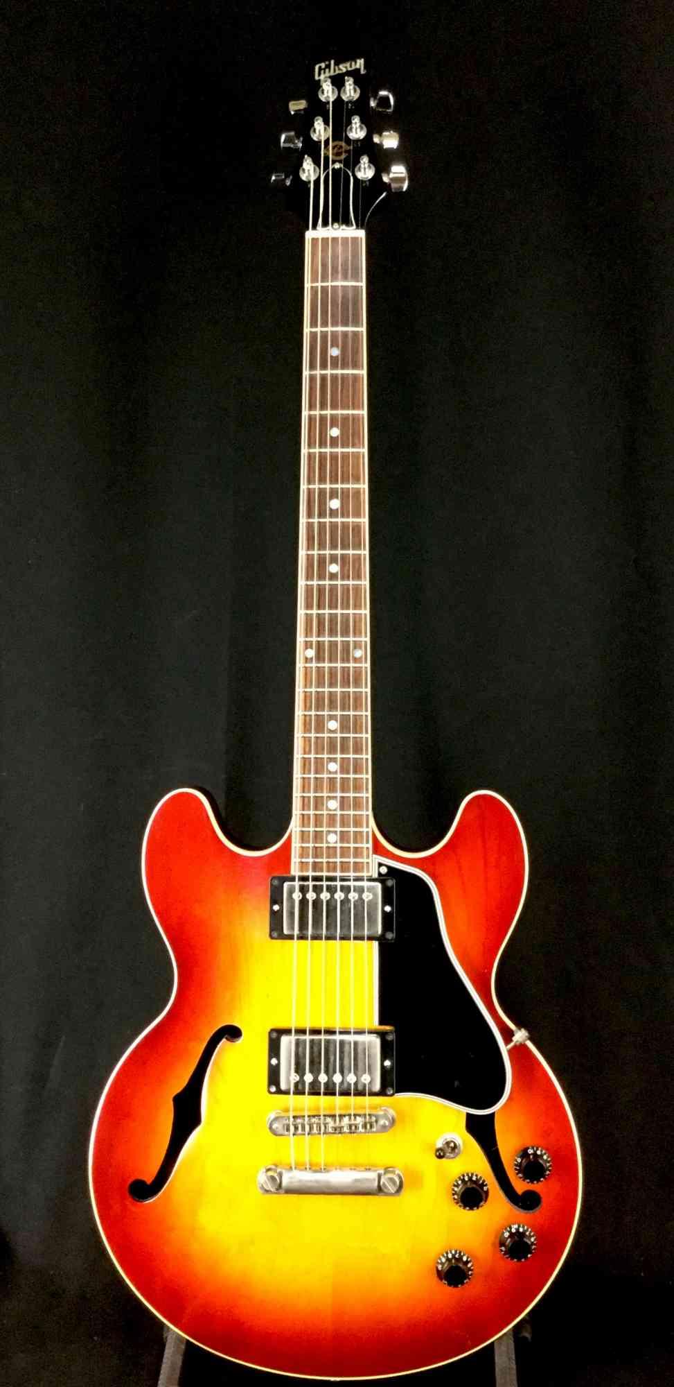 Gibson ES-336 1998 Sunburst. Click to enlarge
