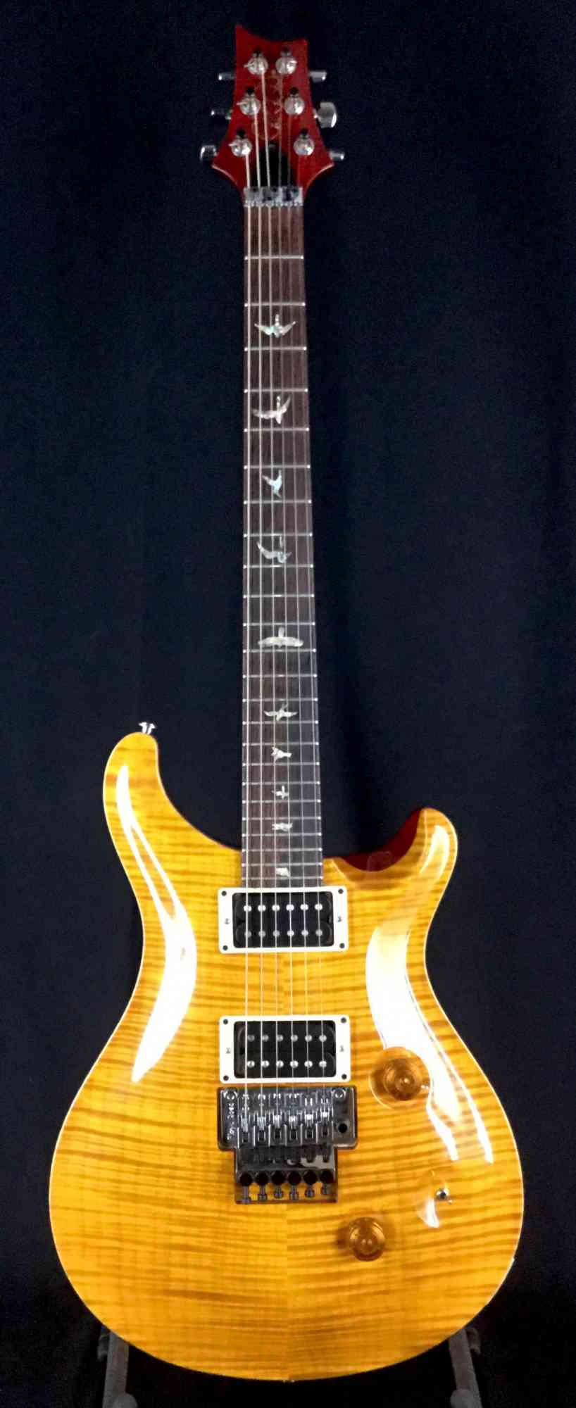 Paul Reed Smith Custom 24 2010 amber. Click to enlarge