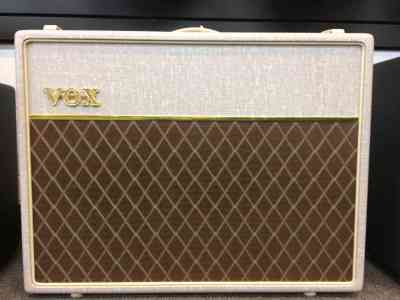 Photo of Vox AC30-HW2  Cream