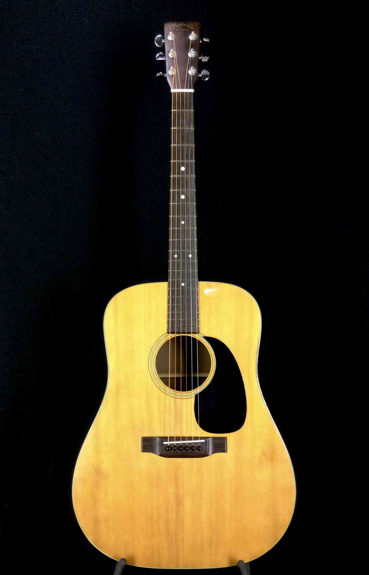 Front view of Martin D-18 1972