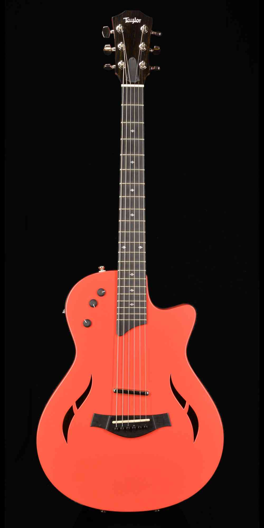 Taylor T5Z Classic Deluxe  Fiesta Red. Click to enlarge