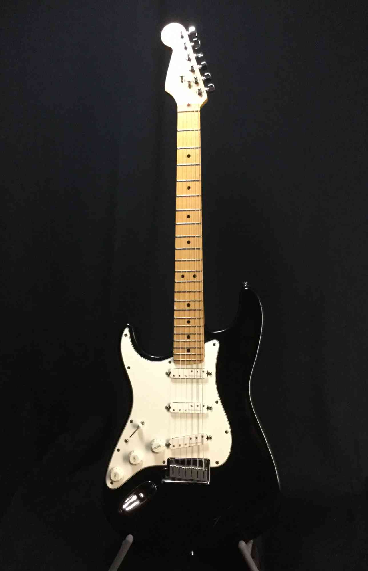 Fender Lefty U.S.A.Stratocaster 1996 Black. Click to enlarge