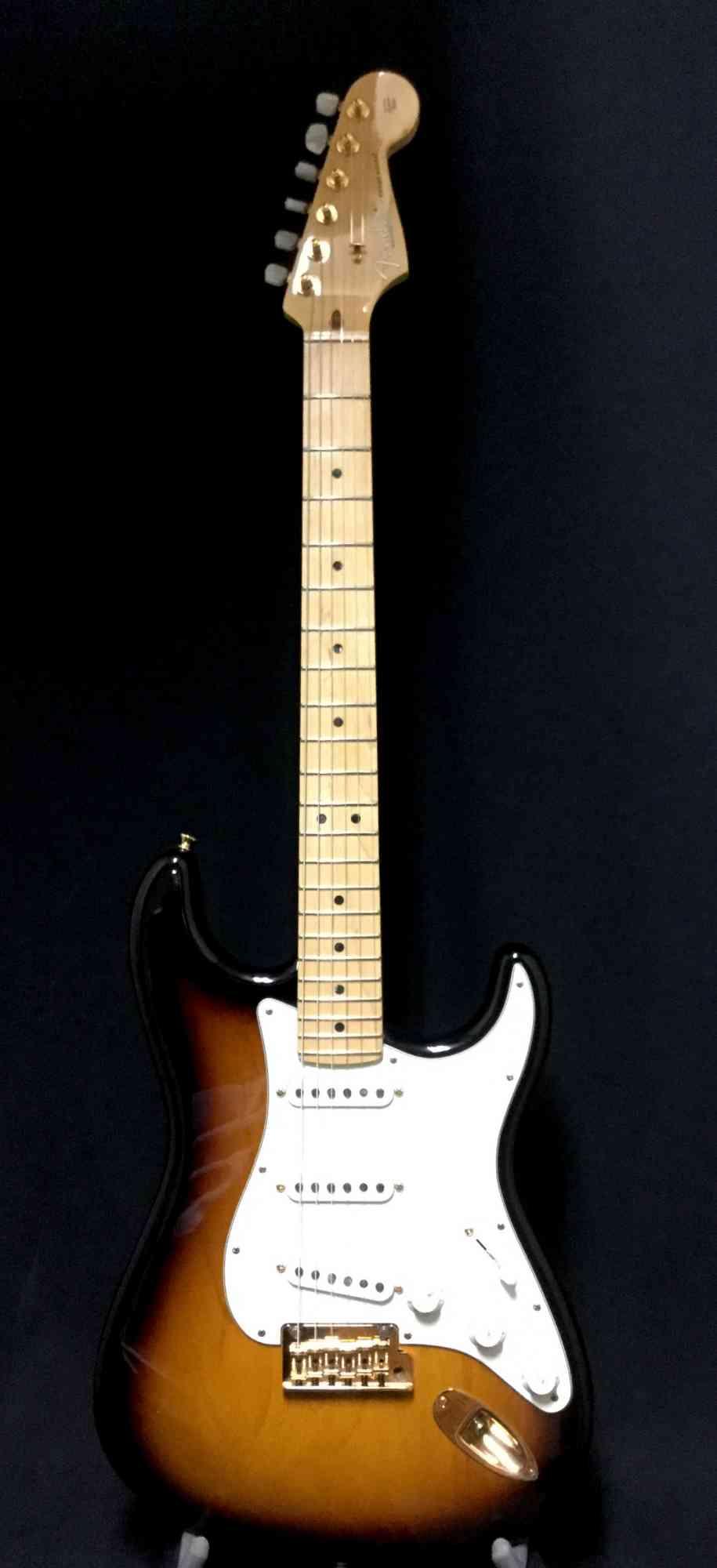 Fender 60th Anniversary Stratocaster 2014 Sunburst. Click to enlarge
