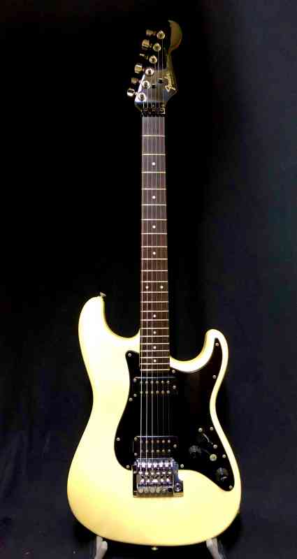 Photo of Fender Contemporary Strat 1985