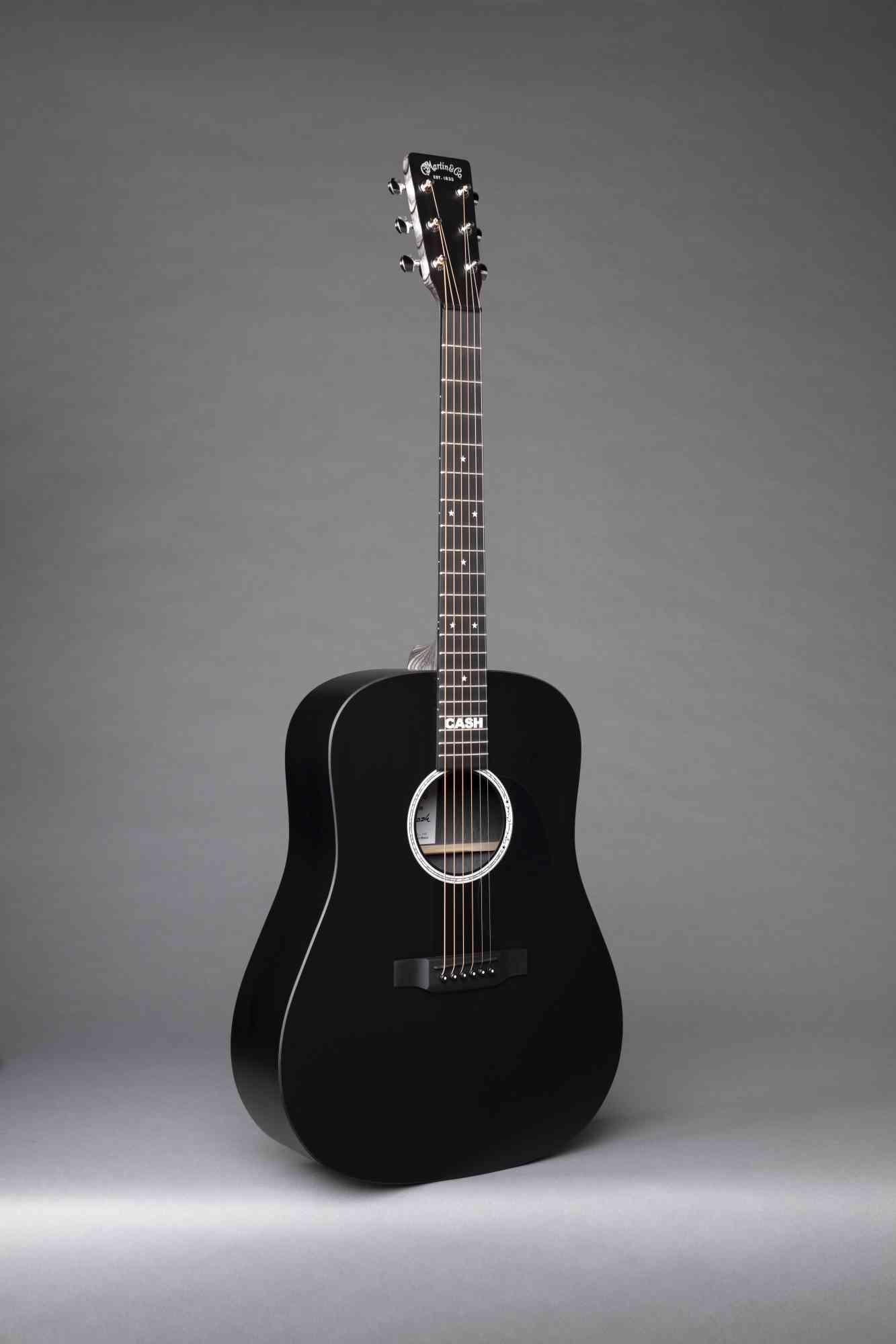 Martin DX Johnny Cash  Black. Click to enlarge