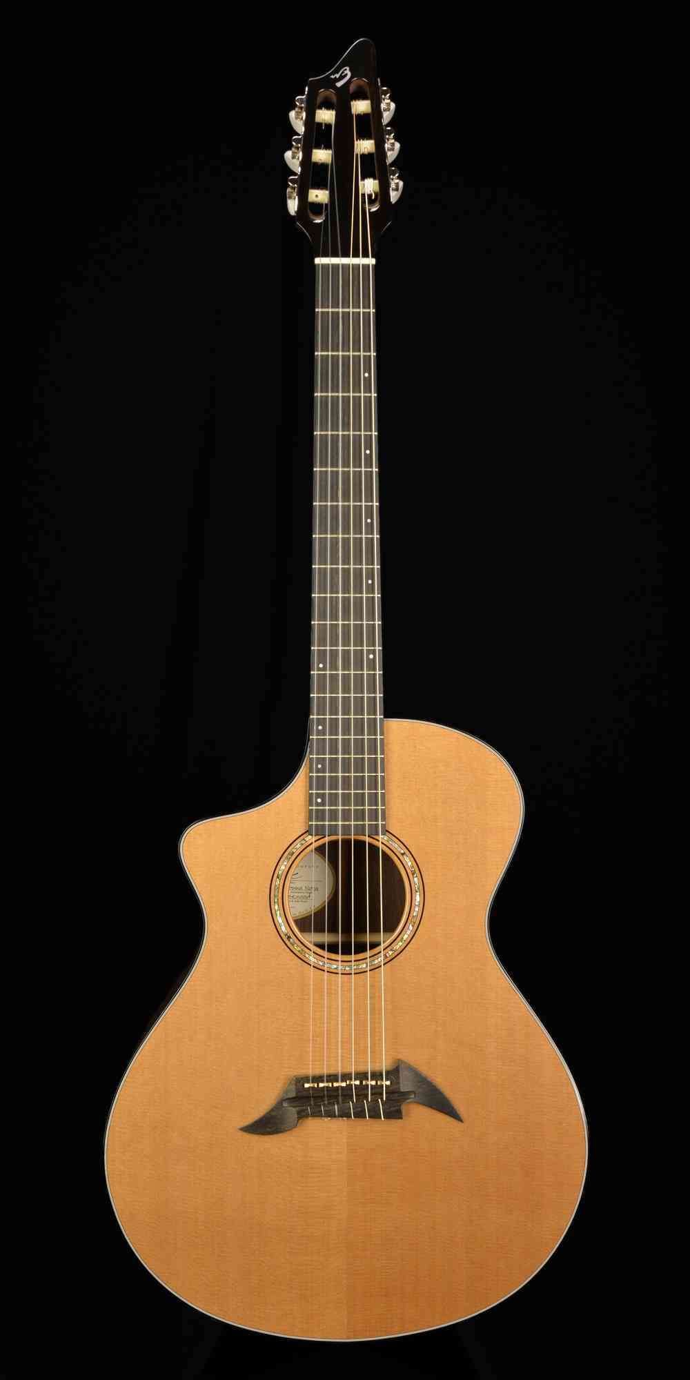 Breedlove Bossa Nova Master Class  Natural. Click to enlarge