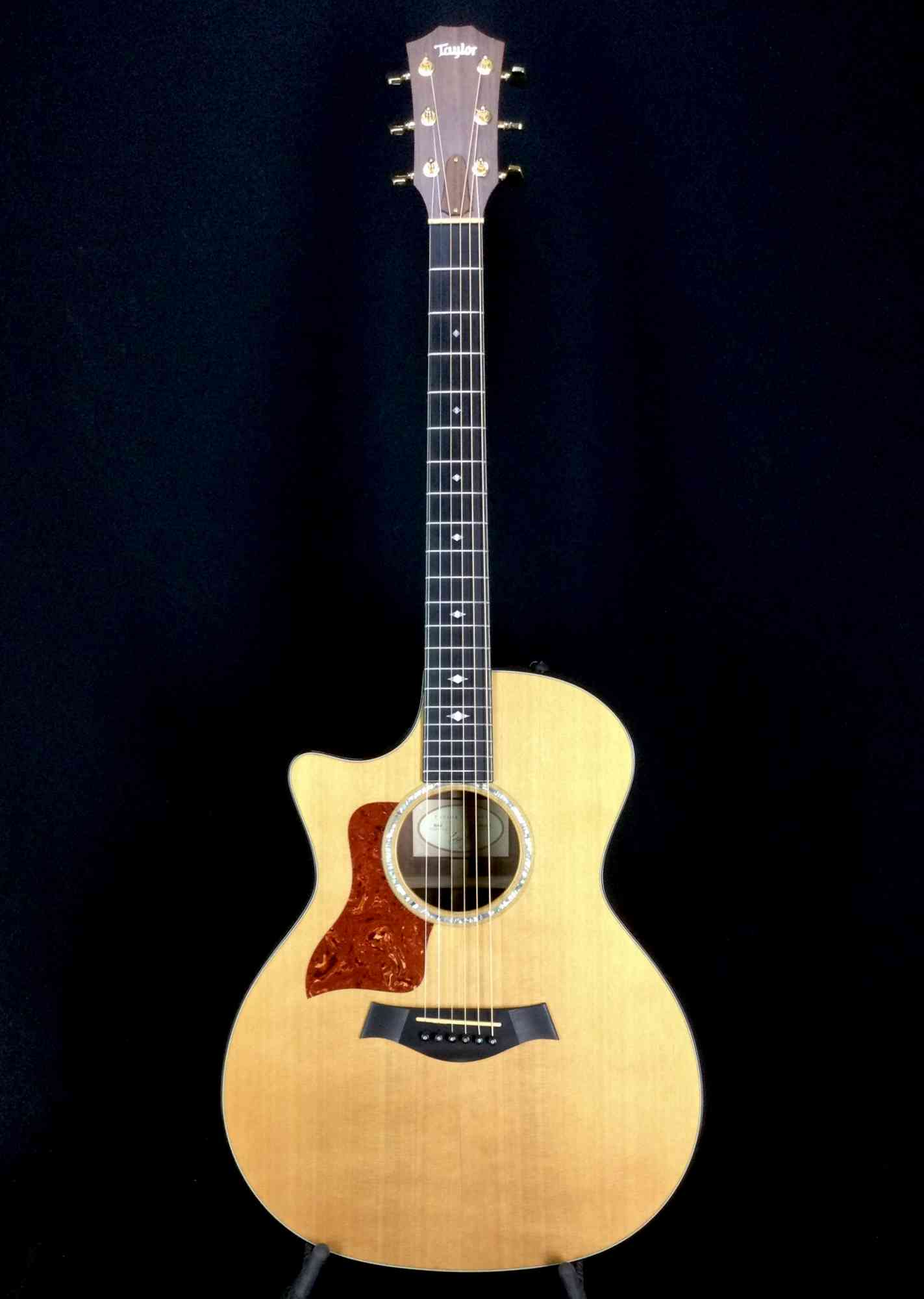 Taylor 514ce Lefty 2016 . Click to enlarge