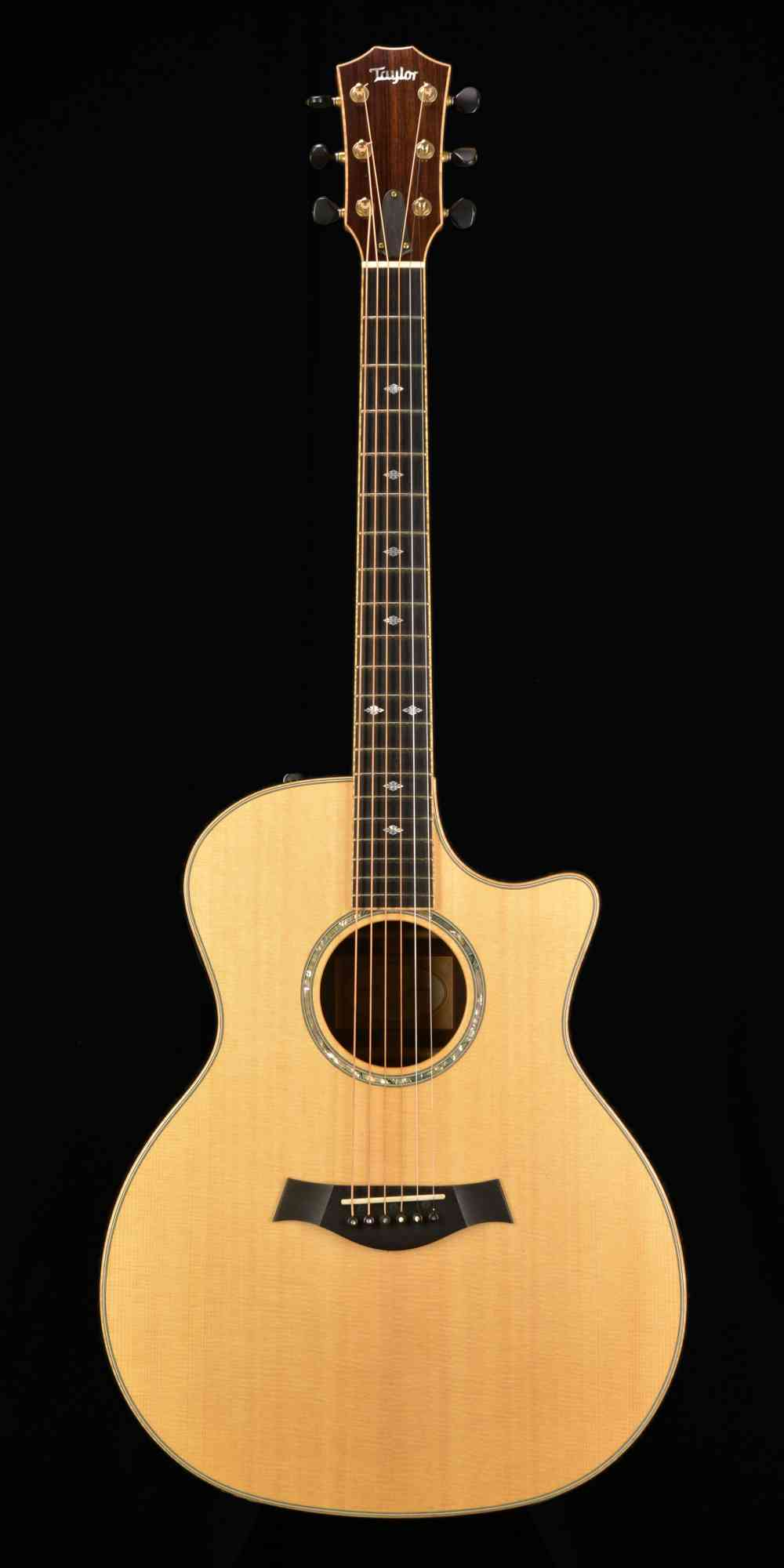 Front view of Taylor GS Custom Cocobolo 2015 Natural