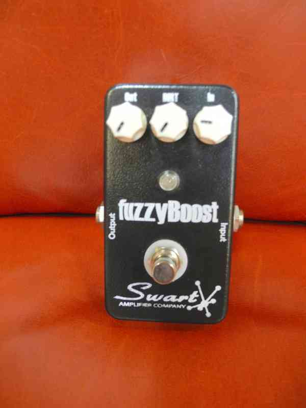 Photo of Swart Fuzzy Boost  Black