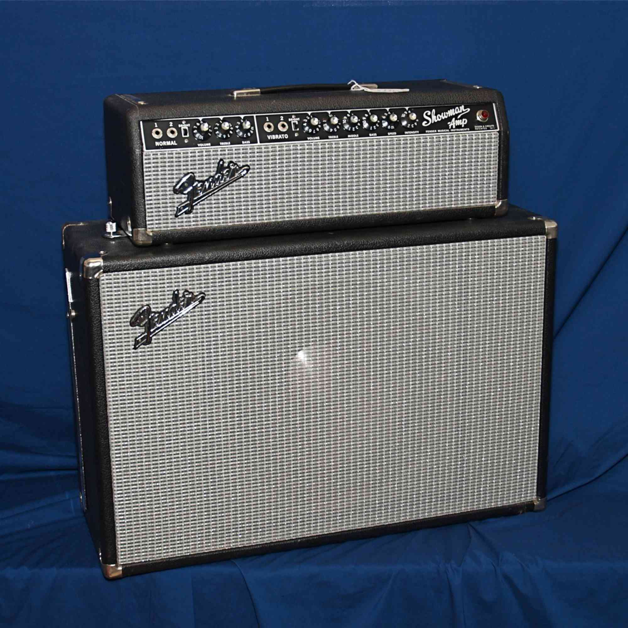 Fender Showman head and cab '66 blackface. Click to enlarge