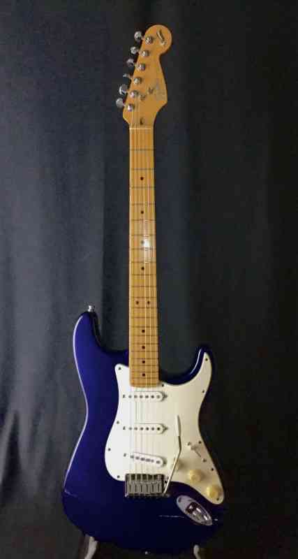 Photo of Fender 40th Anniuversary Strat 1994 Midnight Blue