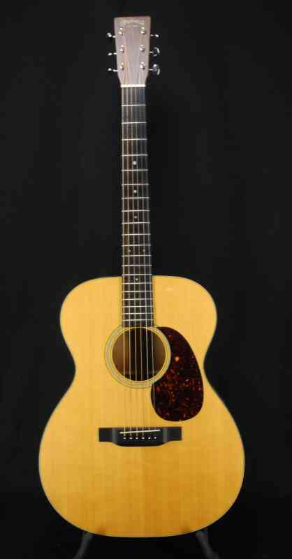 Photo of Martin 000-18e Retro 2015 Natural