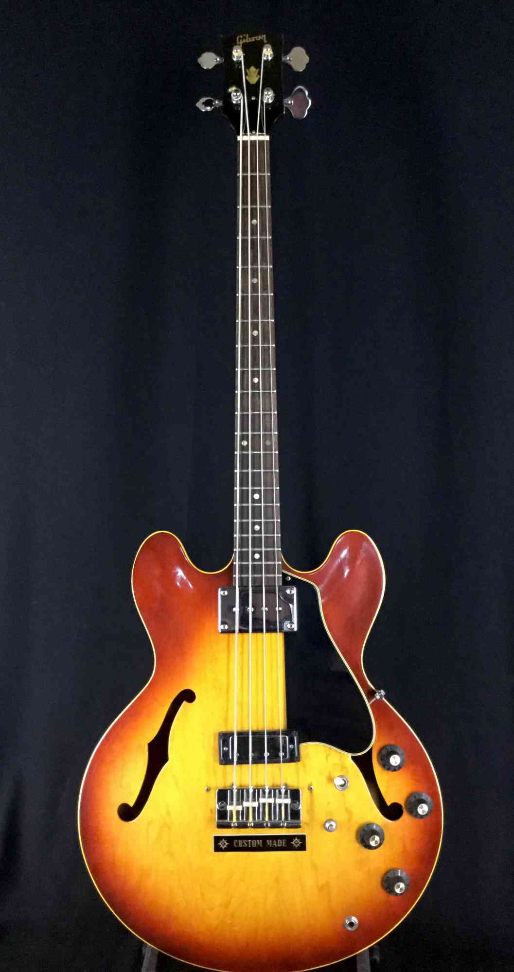 Gibson EB2-D 1969 Sunburst. Click to enlarge
