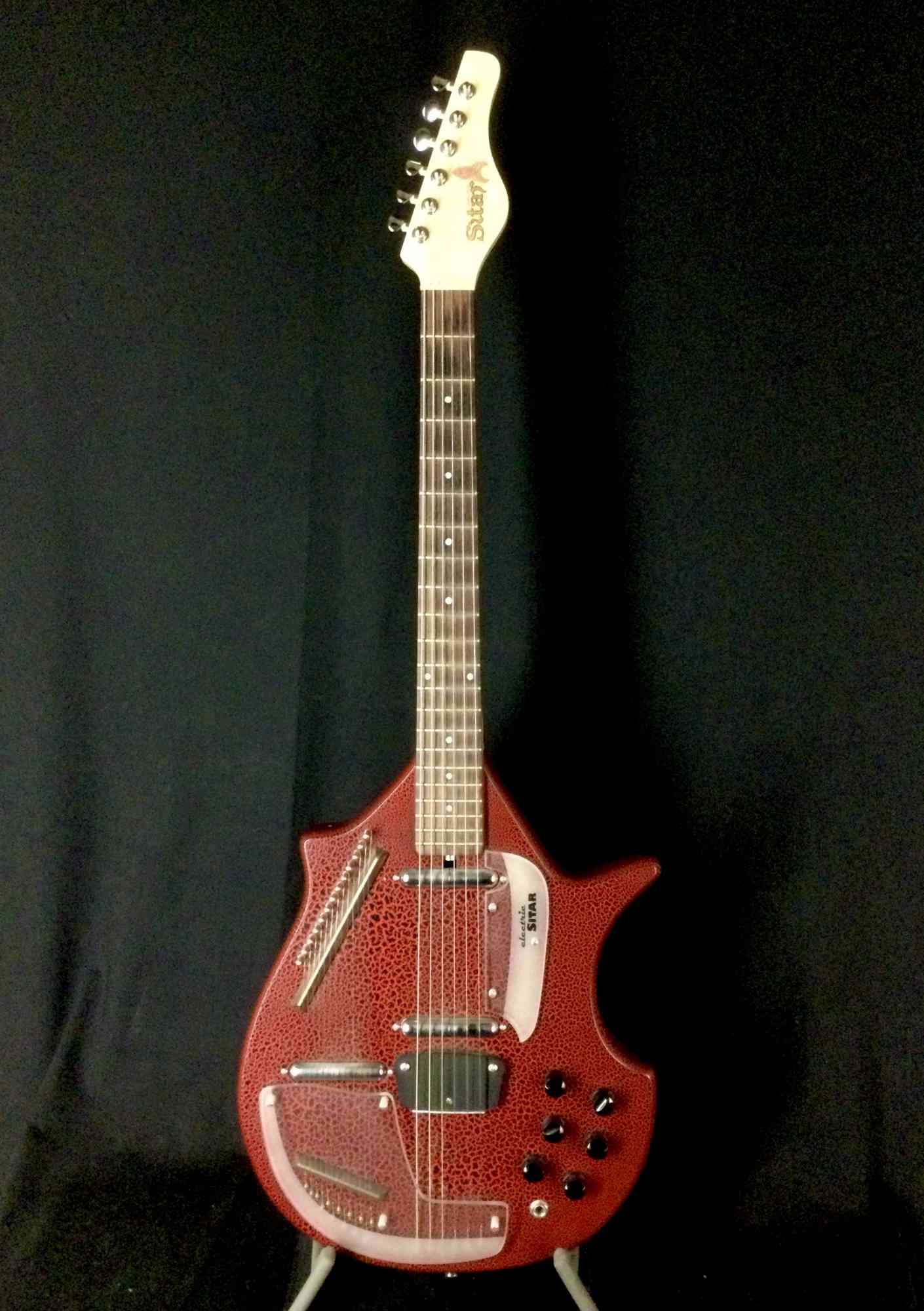 Jerry Jones Master Electric Sitar 2002 Red Gator. Click to enlarge