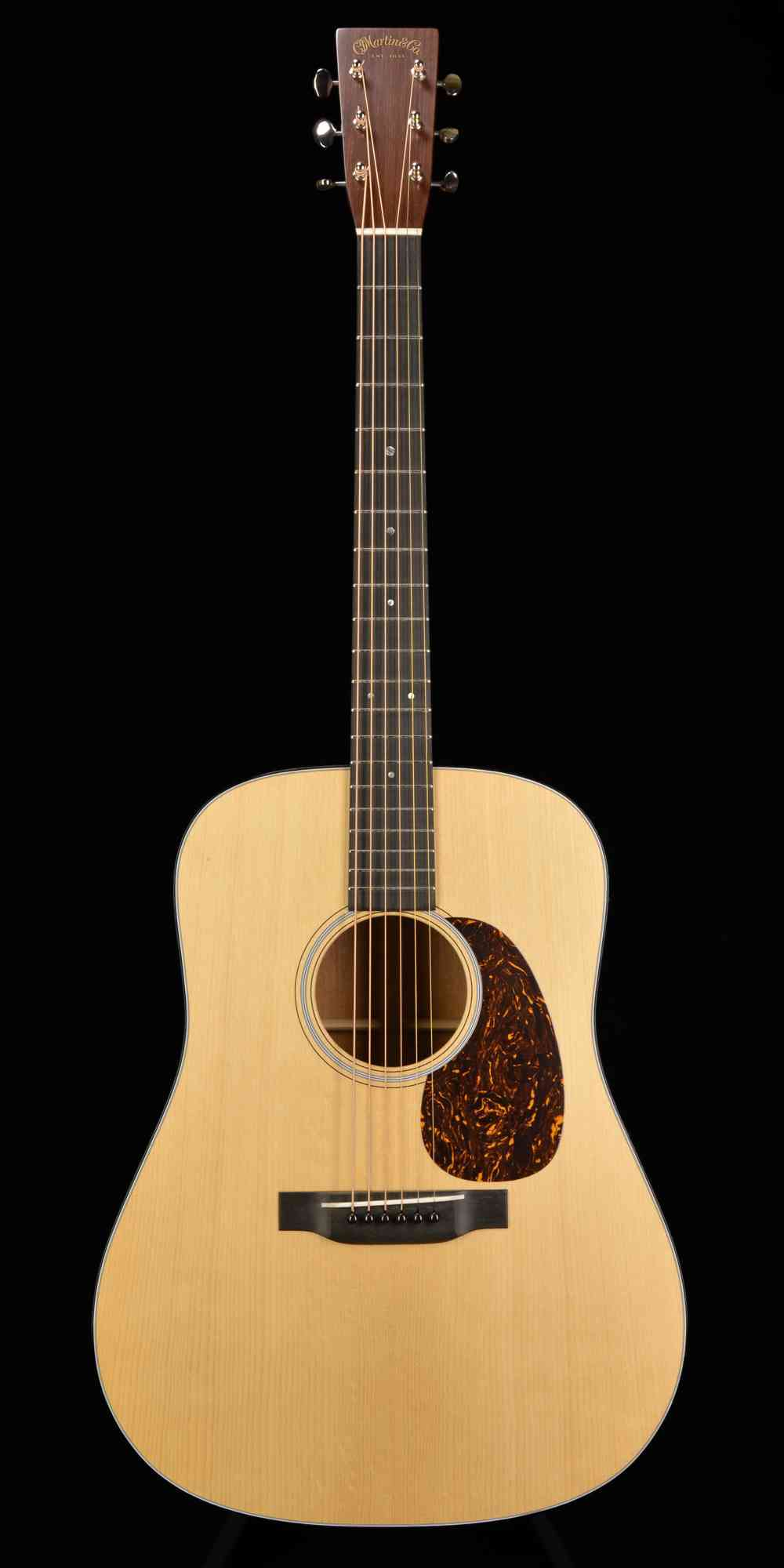 Martin D-18 Authentic 1939  . Click to enlarge