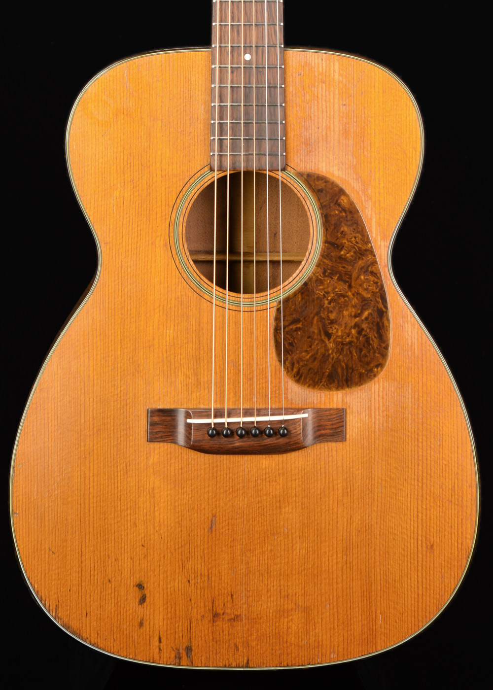 Front view of Martin 00-18 1947 Natural