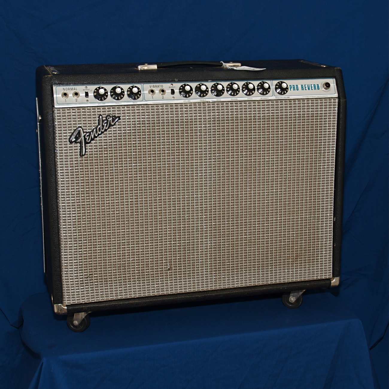 Fender Pro Reverb '76 silverface. Click to enlarge
